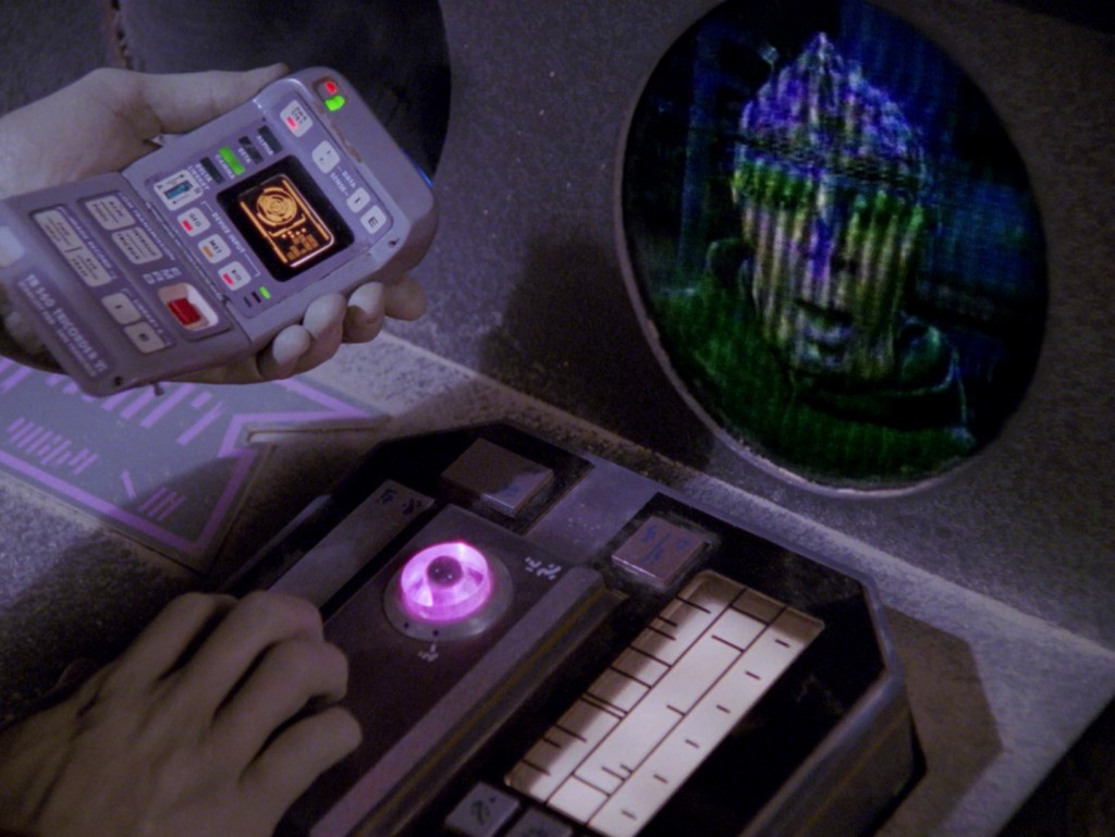 "Star Trek: The Next Generation ""Die Energiefalle"" (Booby Trap) Blu-ray Screencap © CBS/Paramount"