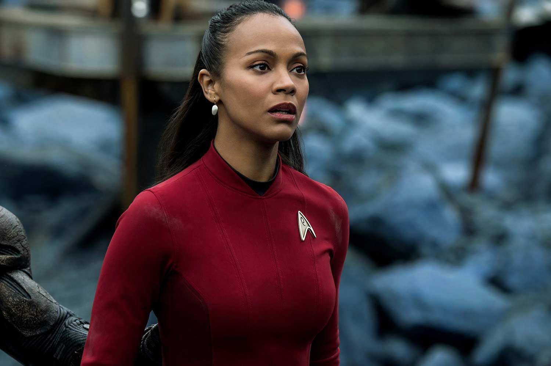 Uhura (Zoe Saldana) wird von Aliens festgehalten. (Foto: Paramount Pictures)