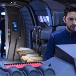 Lt. Ash Tyler (Shazad Latif) in einem Shuttle.