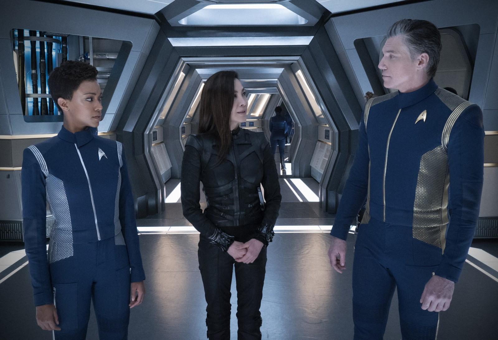 Philippa Georgiou stattet der Discovery einen überraschenden Besuch ab. Foto: Michael Gibson/ © 2018 CBS Interactive