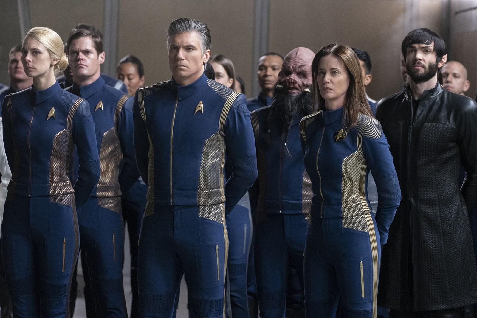 Die Crew der Discovery nimmt Abschied von Airiam. Foto: Michael Gibson/CBS ©2018 CBS Interactive