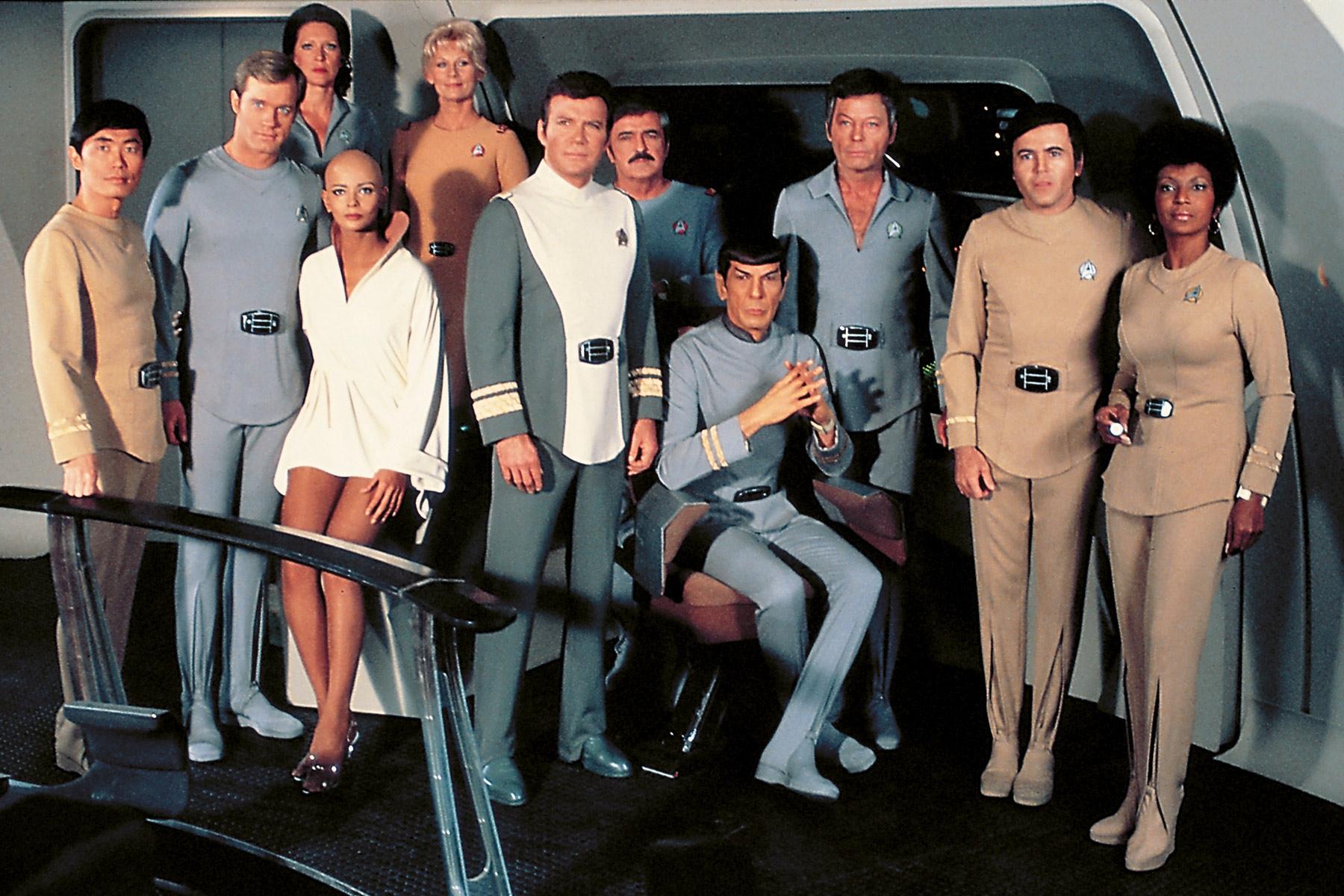 Die Crew der Enterprise bei ihrem ersten großen Leinwandabenteuer (Foto: Paramount / CBS)
